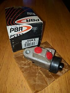 NOS-PBR-P5923-LEFT-FRONT-WHEEL-CYLINDER-NEW-OLD-STOCK-FITS-BEDFORD-CF-72-77
