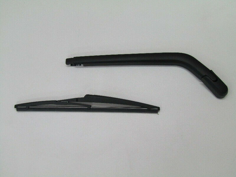 TOYOTA FORTUNER GD6 REAR WIPER ARM WITH BLADE