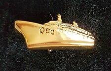 Vintage QE2 Liner CUNARD Cruise Ship QUEEN ELIZABETH Gilt BADGE Pin