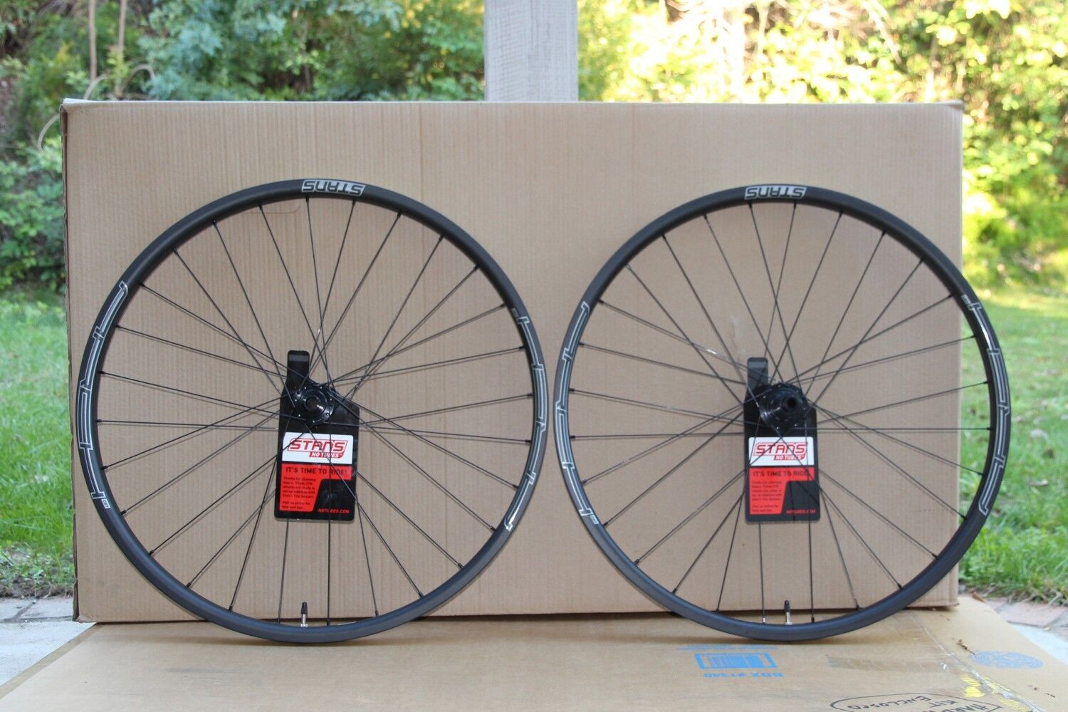 NEW - Stans ARCH CB7 Carbon Wheelset - 27.5  (650b) Front   Rear - Neo Hubs