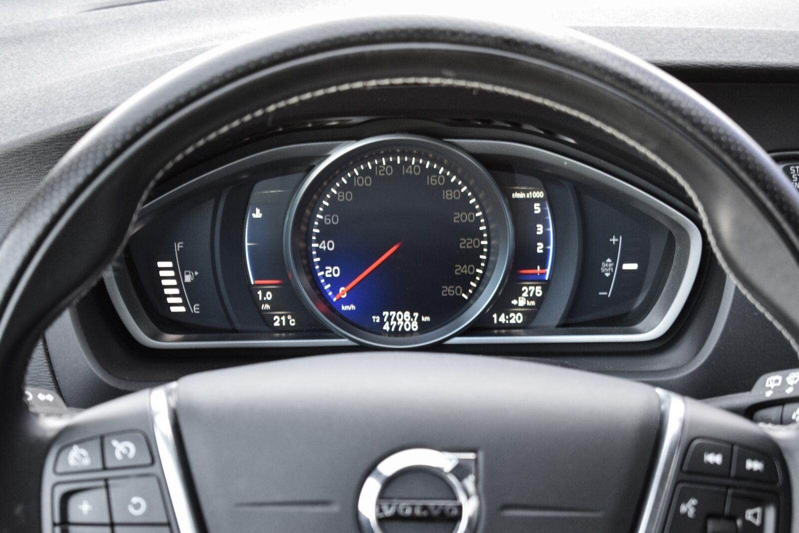 Volvo V40 2,0 D2 120 R-Design - billede 8