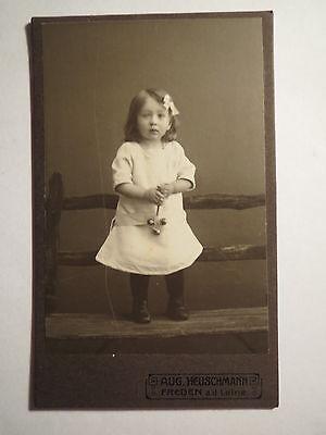 Freden a.d. Leine - stehendes Kind - Mädchen im Kleid - Portrait / CDV