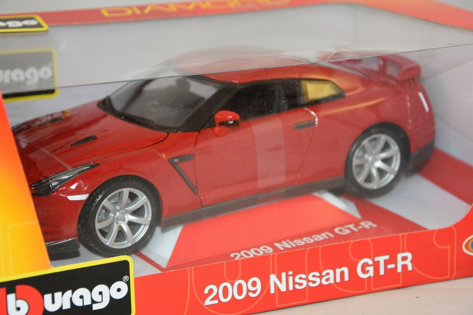 Burago 11030RD - Nissan Gt-R Rot 1 18 Bburago