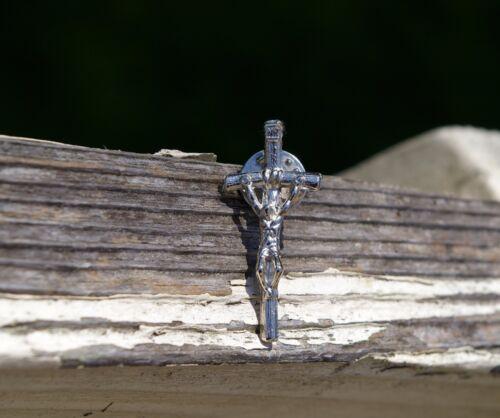 Crucifix Crucifixion Jesus God Christ Cross Religous Sacrifice Metal Pin Pinback