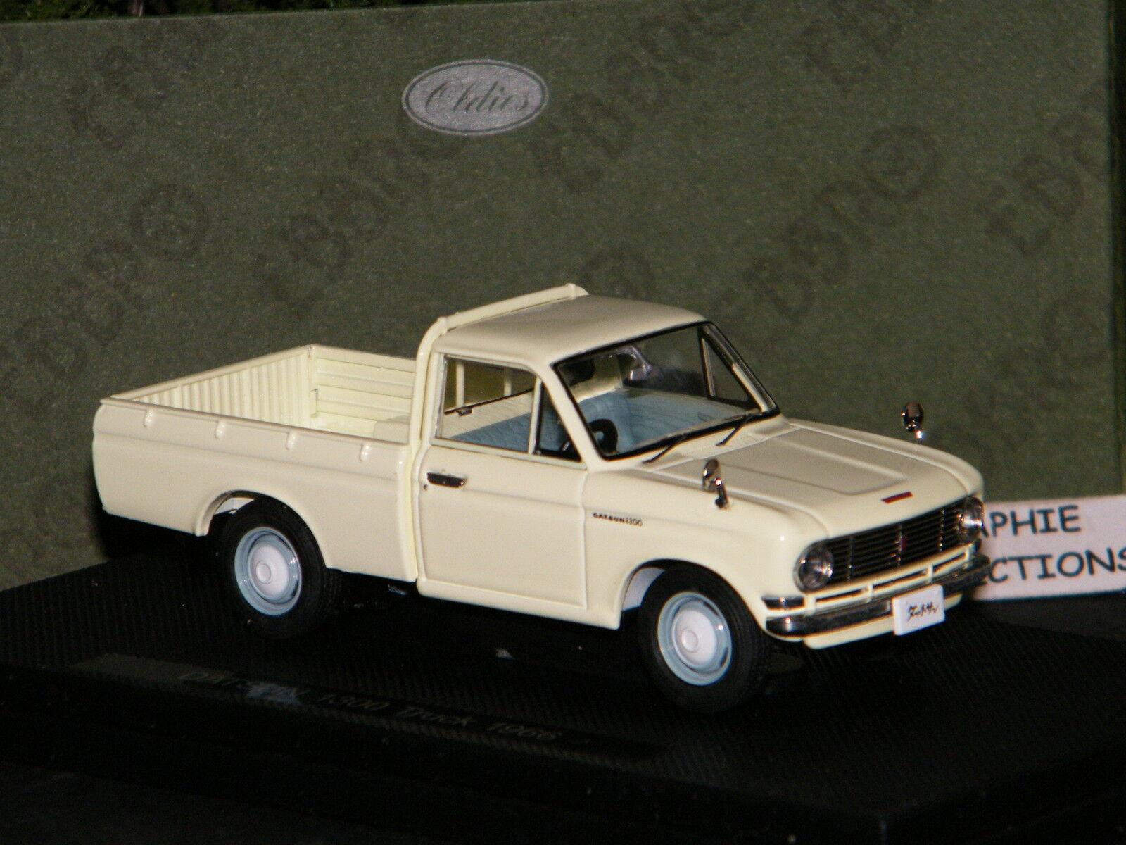 DATSUN TRUCK 1300 PICK-UP IVOIRE 1966 - EBBRO 1 43 Ref 44690