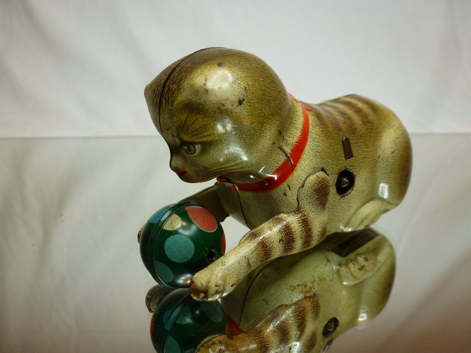 VINTAGE TIN TOY KÖHLER US ZONE GERMANY - CAT PLAYING with BALL - GOOD CONDITION