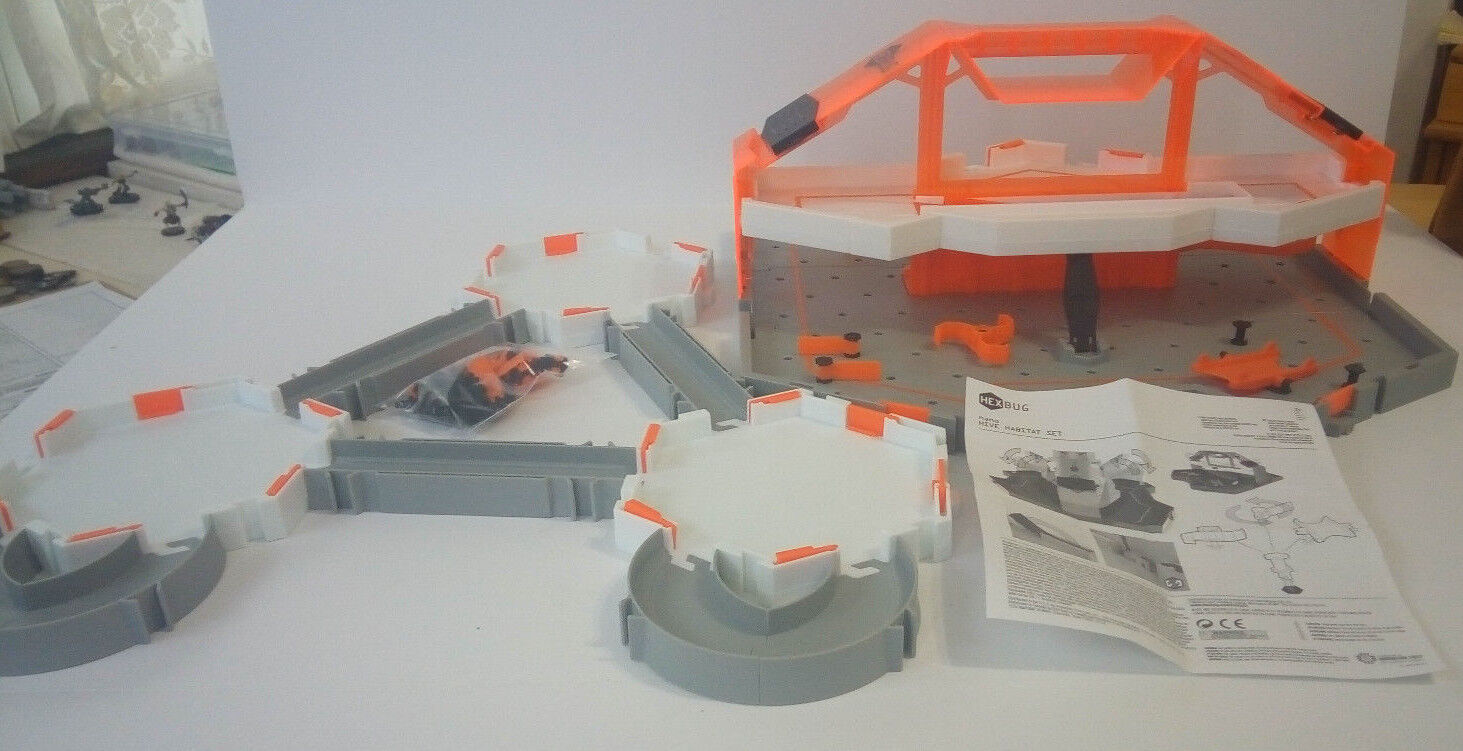 Innovation First HEXBUG NANO HIVE And HABITAT sets--Great condition