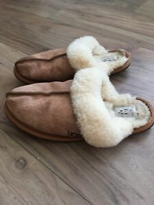 Ladies-Ugg-Slippers-Size-6