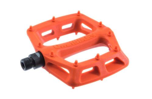 Plastic Flat Pedals DMR V6