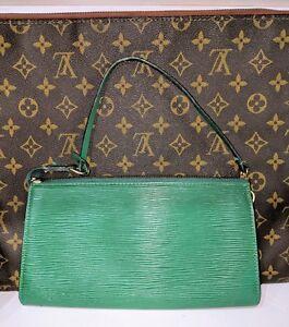 Louis-Vuitton-LV-Green-Epi-Leather-Small-Pochette-Clutch-Handbag