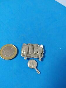 """JUEGO TOCADOR MUJER DE LA FIRMA """"Warwick Miniatures LTD"""". Escala 1/12"""