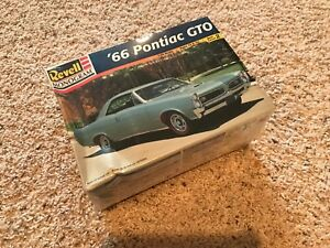 Monogram-Revell-1966-PONTIAC-GTO-Tri-Power-1-25-Model-Car-1998-kit-NEW-sealed