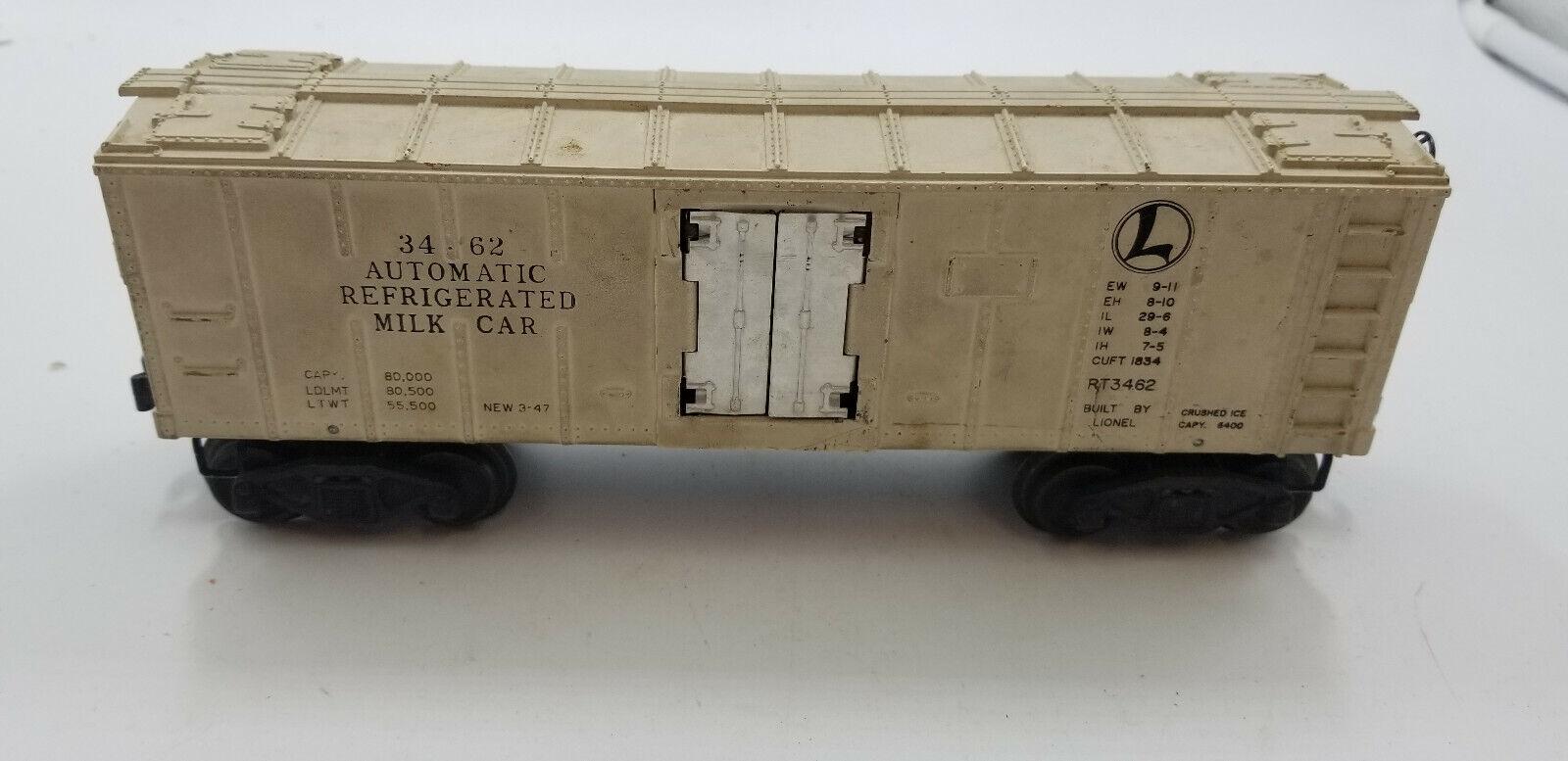 Lionel Trains Milk Car No. 3462 & Platform