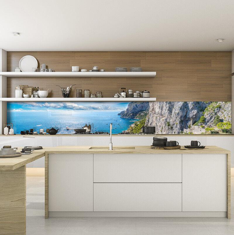 Cocina plano posterior projoección contra salpicaduras cocina durate vidrio azul marino isla capri