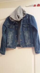 veste-en-jeans-avec-capuche-taille-146-152