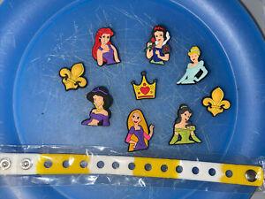 Disney-Princess-Lot-Of-9-Shoe-amp-Lace-Adapter-Charms-1-Bracelet