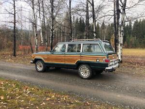 1982 Jeep Wagoneer woodie