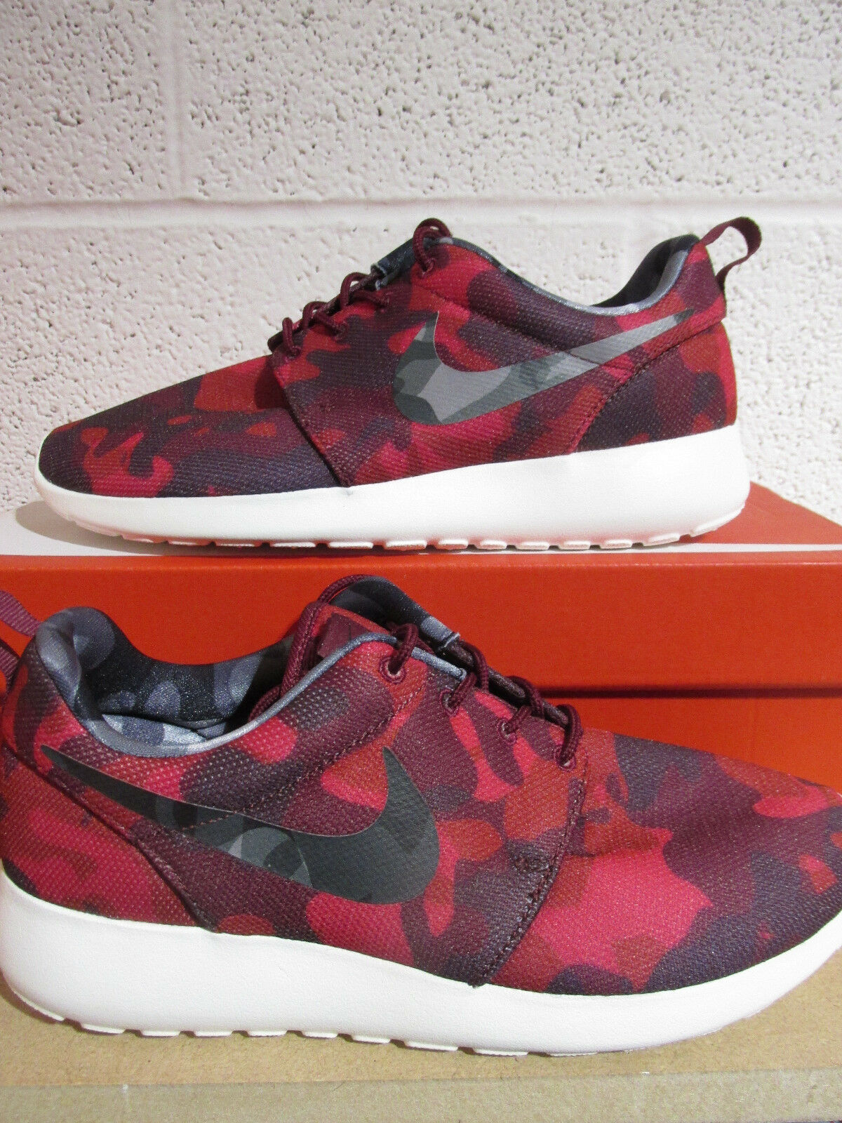 Nike womens roshe one print running trainers 599432 606 sneakers shoes
