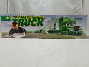 BP 1997 Collector/'s Edition Transforming Truck-NEW in BOX