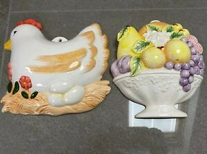 Pair-Of-Pot-Kitchen-Wall-Hanging-Plaques-Vintage