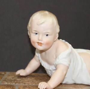 HEUBACH-PIANO-BABY-FIGURINE-CRAWLING