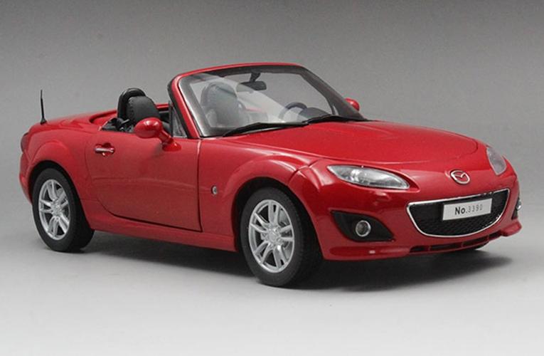 18 skala roten mazda mx - auto - modell