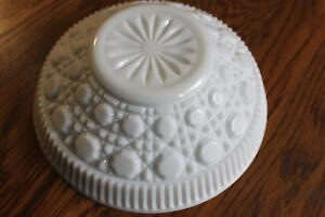 Vintage-Medium-Sized-Serving-Bowl-White-Milk-Glass-Ribbed-Octagon-Buttons