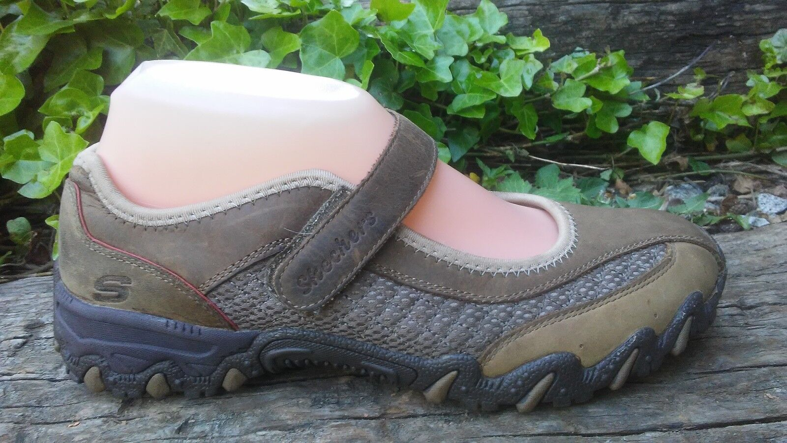 Womens Skechers Brown Leather Mary Janes Shoes Size 7 / 38