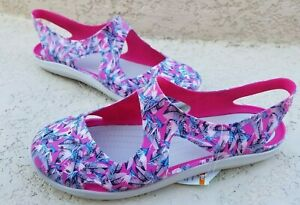 fe0227169 NWT CROCS Swiftwater Wave Graphic Women s Sling Candy Pink Sandals ...