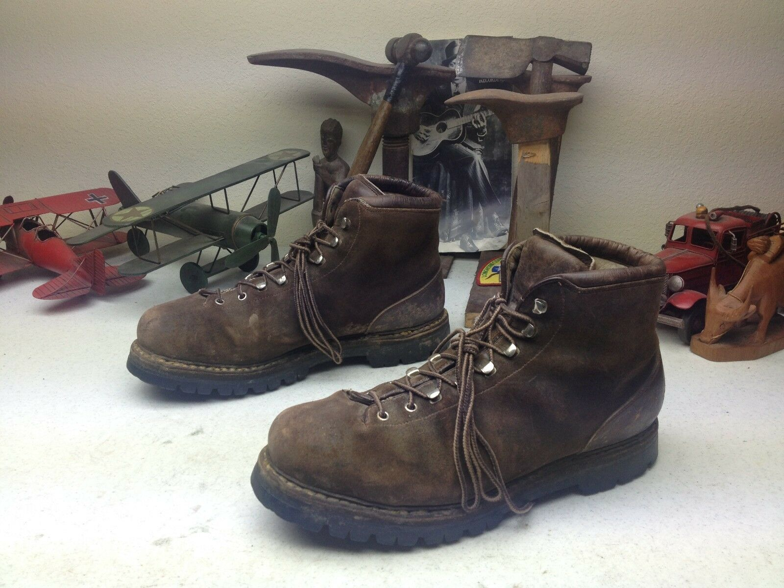 DISTRESSED BROWN LEATHER LACE UP ENGINEER MOUNTAINEER TRAIL BOSS BOOTS 13 M