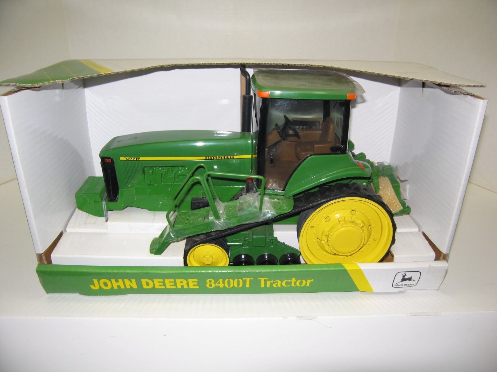 1 16 JOHN DEERE 8400T COLLECTOR EDITION NIB free shipping