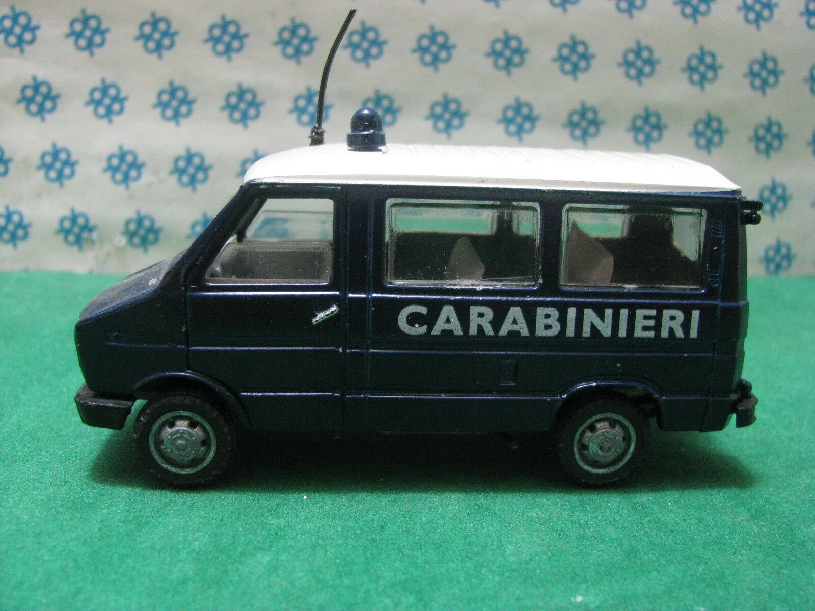 Vintage-Fiat Iveco Iveco Iveco Anni 80  Carabiblacks  - 1 43 Old Coches - Caja 3d8799