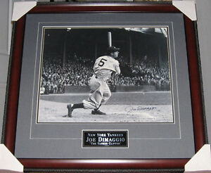 JOE-DiMAGGIO-56-Game-Hit-Streak-SIGNED-Limited-Ed-Custom-Framed-Photo-JSA