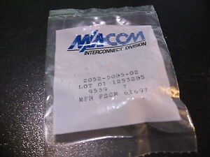 M-A-COM-2052-5085-02-SMA-Connector-Bulkhead-Female-In-Bag-NOS-Qty-1