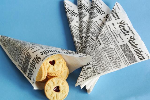 10 Papiertüten Spitztüten Papierspitztüten Zeitung CandyBar gebrannte Mandeln