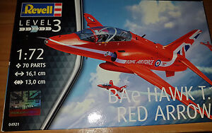 BAe-Hawk-T-1-Red-Arrows-Revell-Kit-1-72-04921-Nuovo