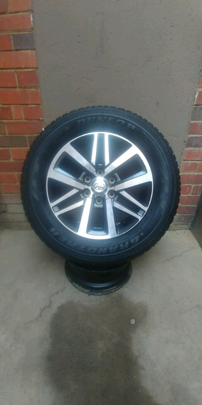 """TOYOTA FORTUNER 18""""RIM/TYRE FOR SPARE WHEEL."""