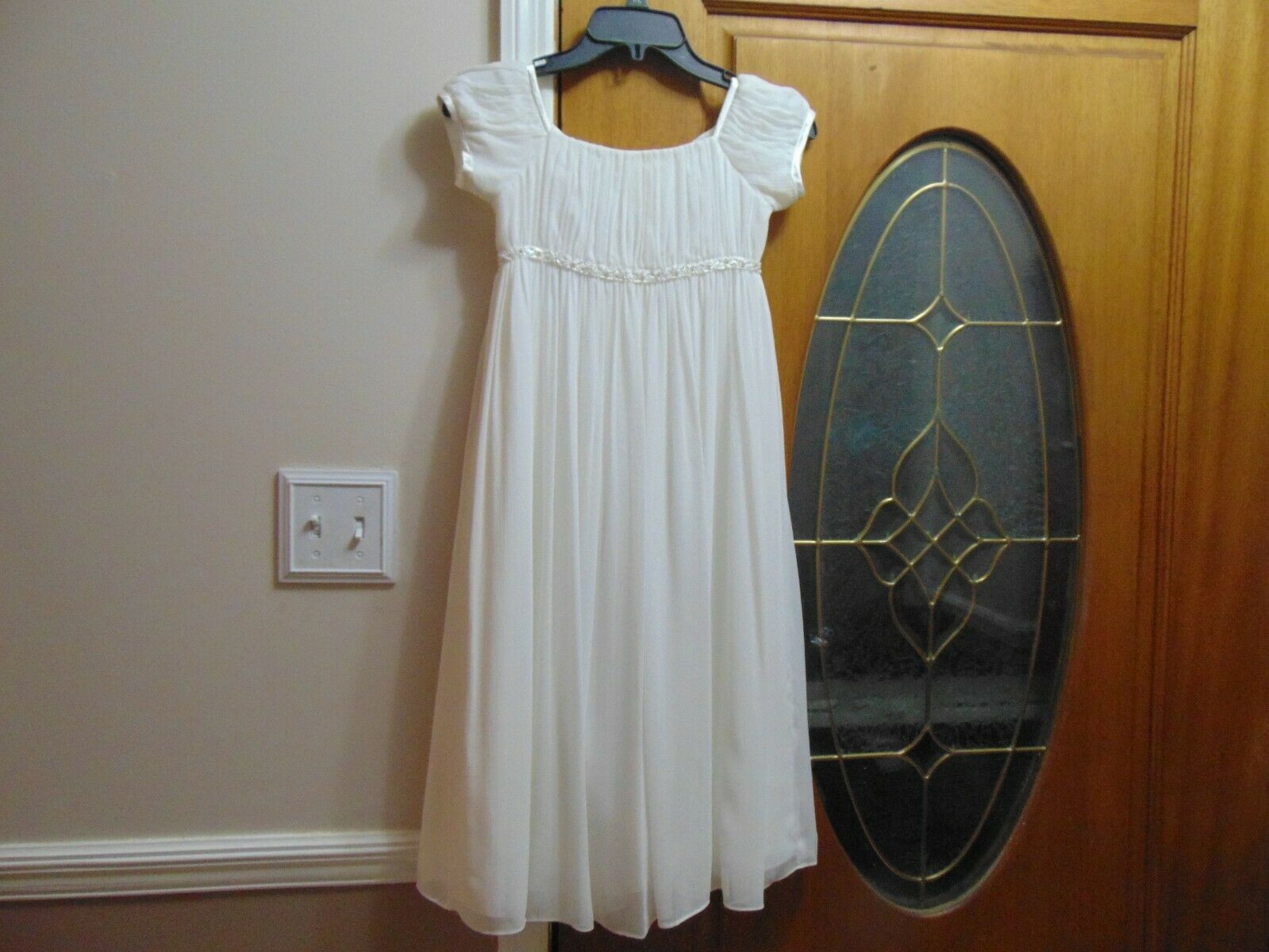 David's Bridal girls size 7 ivory flower girl, dance party dress pretty