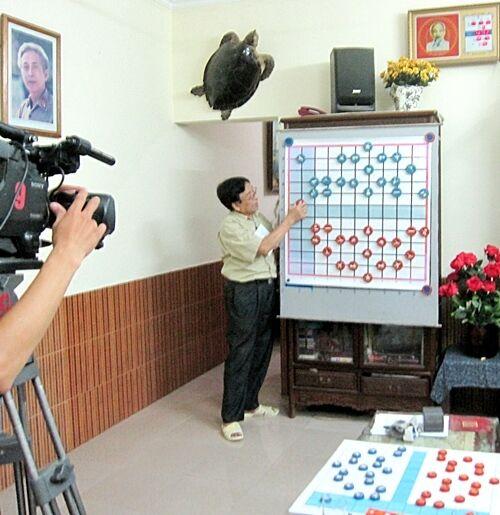 VIETNAMESE COMMANDER CHESS  Cờ Tư Lệnh  by Hải Nguyễn Quí WOODEN PIECES  788