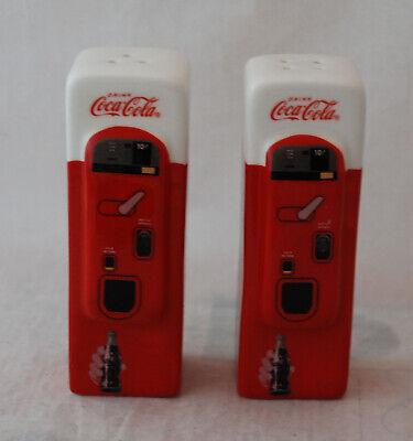 BRAND NEW Coca-Cola Ceramic Vending Machine Salt and Pepper Shakers