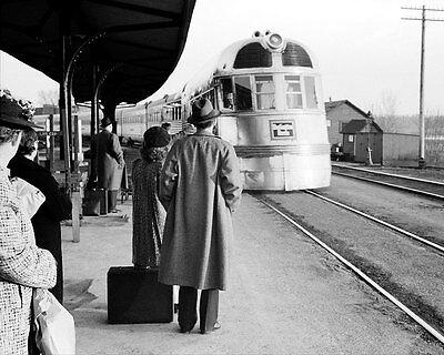 BURLINGTON ZEPHYR RAILROAD TRAIN EAST DUBUQUE ILLINOIS 11x14 SILVER HALIDE PHOTO