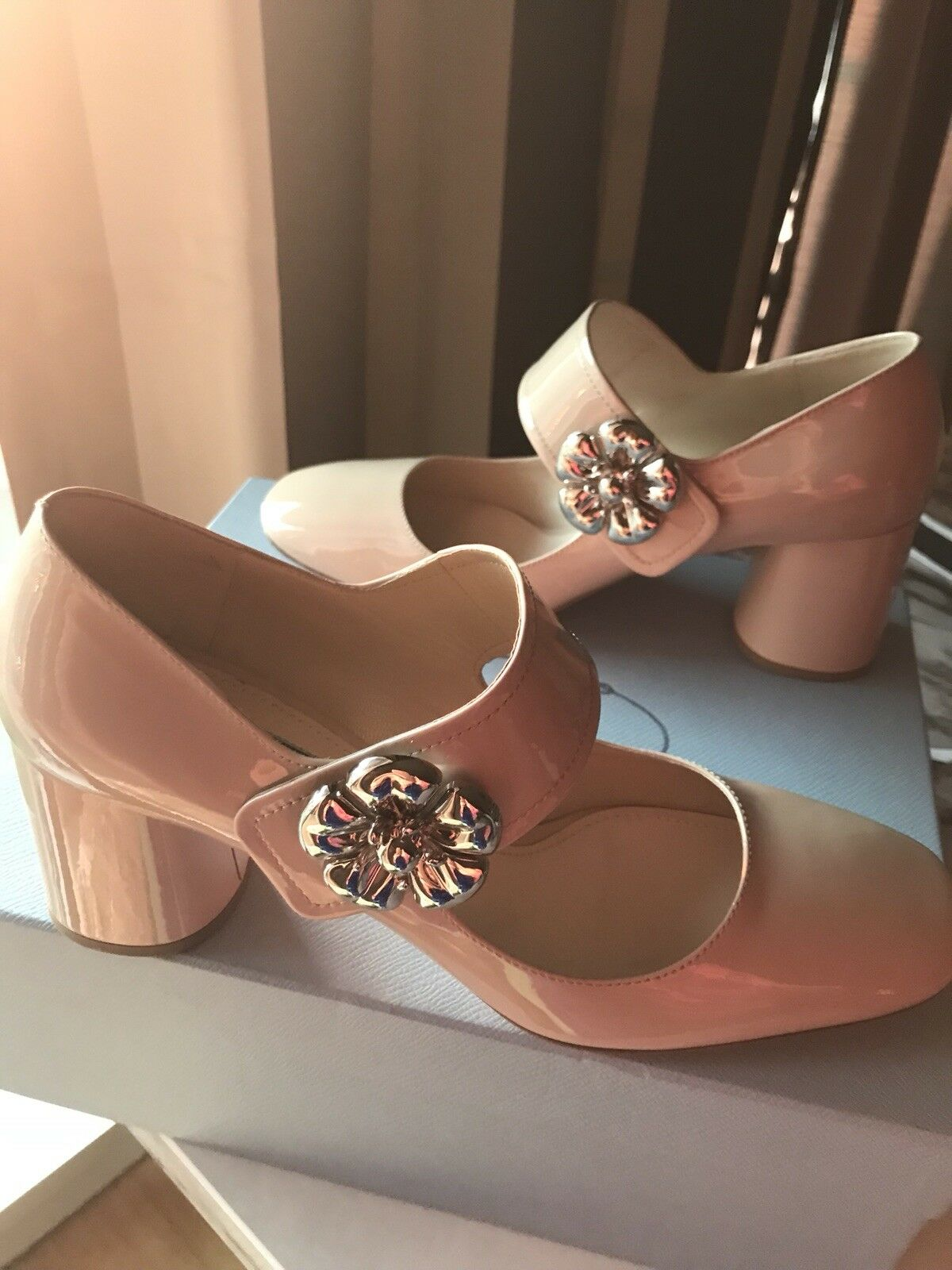 femmes's Prada Patent Leather Flower Ornament chaussures chaussures chaussures 6518a1