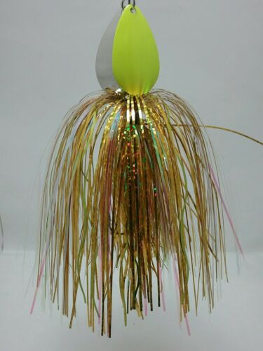 Musky Bucktail spinner bait double lames Mustad Triple Or Flashabou Jupe