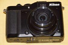Nikon COOLPIX P7000 10.1 MP Digitalkamera - Schwarz