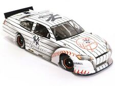 Lionel Nascar 2012 New York Yankees Home 1:24 Scale Die Cast Stock Car MZZ2821NY