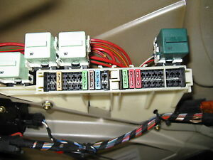 s l300 bmw 5 series e39 fuse box trunk 528i 1997 98 99 2000 01 02 2003 ebay e39 fuse diagram at gsmx.co