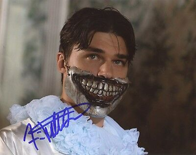 "Entertainment Memorabilia Autographs-original Temperate ~~ Finn Wittrock Authentic Hand-signed ""american Horror Story"" 8x10 Photo ~~"