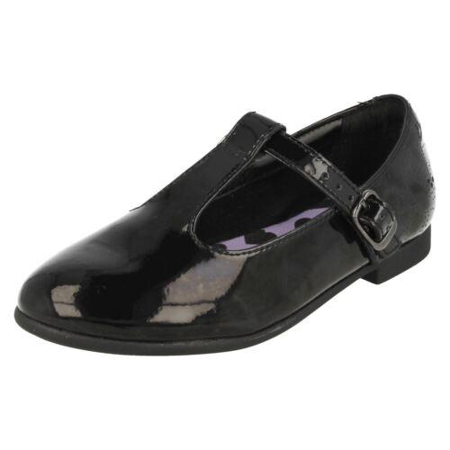 Girls Clarks T-Bar Smart School Shoes /'Selsey Fudge/'