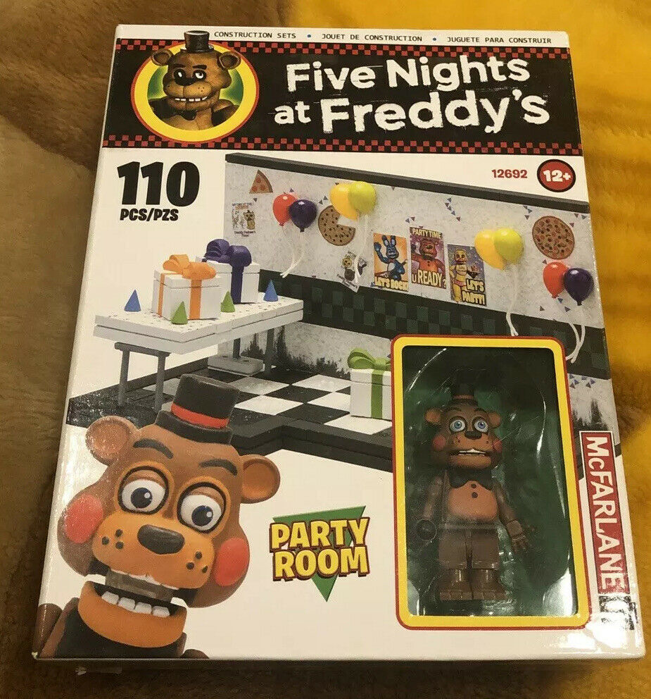 Five Nights At Freddy's Withered Freddy  Figure With Party Hall Set 33 Pieces!!!