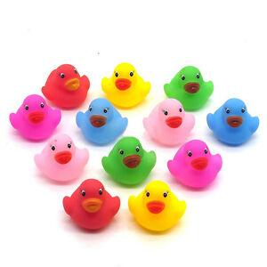 12-MINI-COLORATO-Bathtime-Rubber-Duck-Kids-Baby-Bath-Toy-Squeaky-Acqua-Gioco-Divertimento